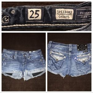 Miss Me Shorts size 25